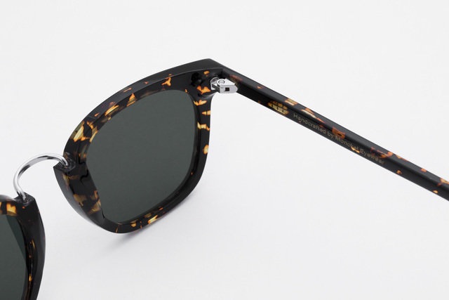 Ando Brown Tortoise