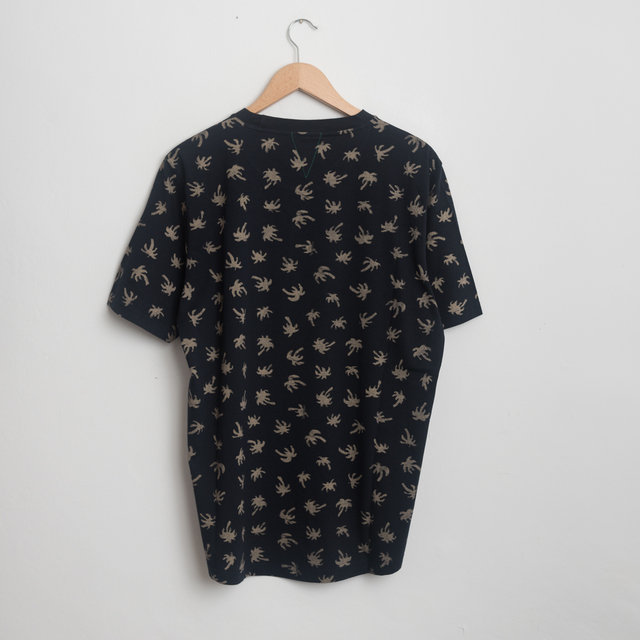 'Fox Tail Palm' Print Organic-Cotton T-Shirt - Navy  Thumbnail